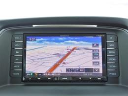 純正ナビ付きです!タッチパネル式で操作もカンタン。ブルートゥース機能も付いているので、お手持ちの音楽プレーヤーを車内で聴くこともできます。