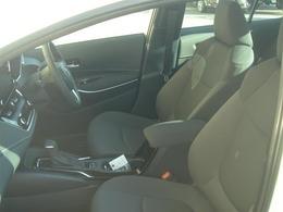 【フロントシート】 シートはいちど車両から取外し洗浄、除菌、消臭を行っておりキレイな状態です♪