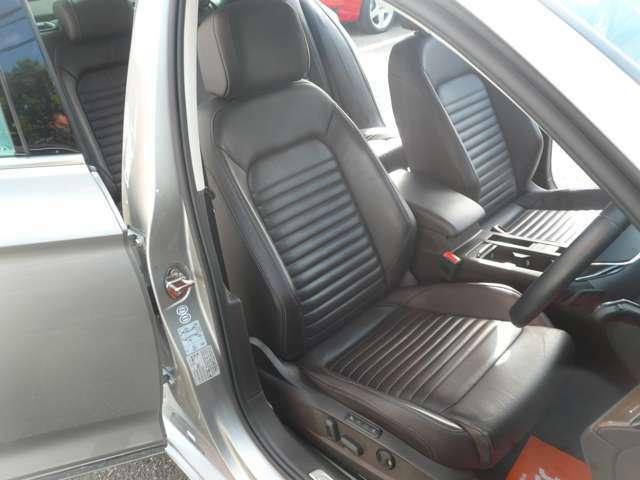 電動ブラウンレザーシート!シートヒーター付です!革の状態もとても良いです!