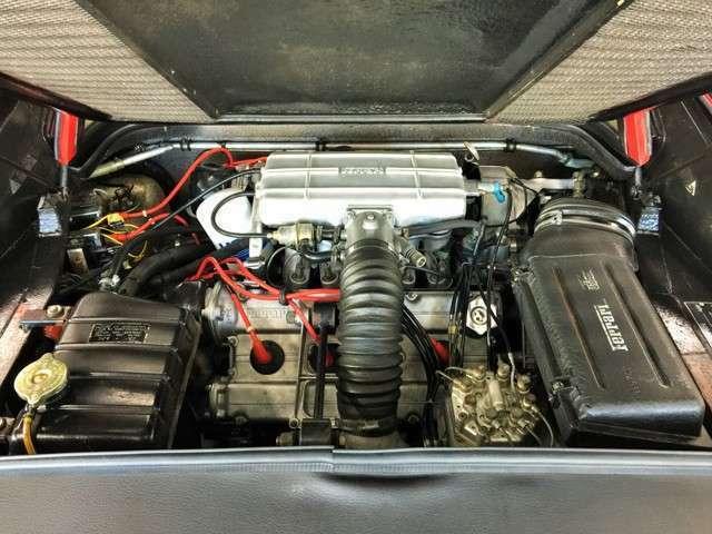 パワーユニットは2,926ccのV8 DOHC!インジェクション式!