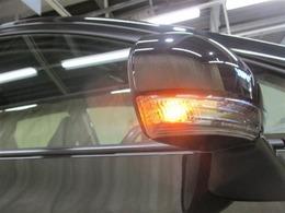 高い所にウィンカーがあることで、周囲からの視認性が良くなり安全性がUP!