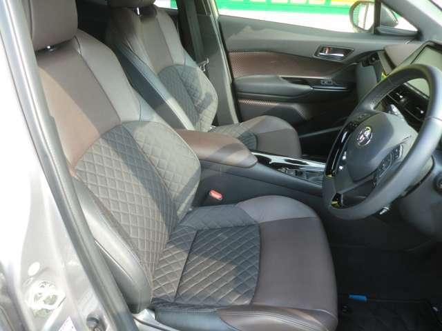 シートのコンディションも良好!室内もとても綺麗です!!専用クリーナーでシート内部のホコリも掻き出しクリーンな状態で納車いたします!