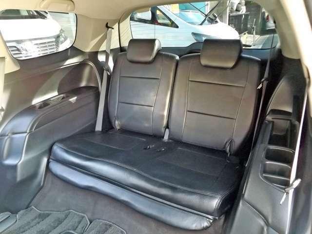 サードシート付きの便利な7人乗りです!!