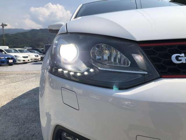 HIDヘッドライト+LEDポジションライト
