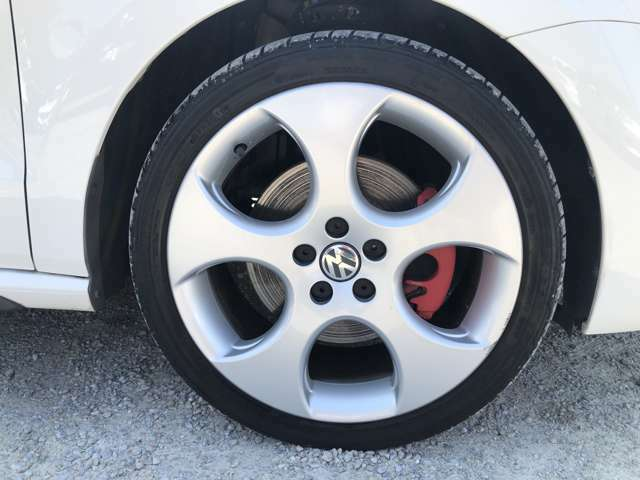 GTI専用17インチAW◆レッドキャリパー◆前後タイヤサイズ:215/40R17