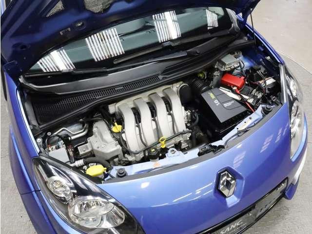 エンジンルームも非常にキレイです。RECS(吸気系エンジン内部洗浄システム)等のオプションメニューもご用命下さい。詳しくはフリーコール 0066-9702-2647へ