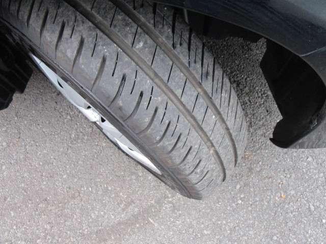 装着されているタイヤの溝も安心な状態!