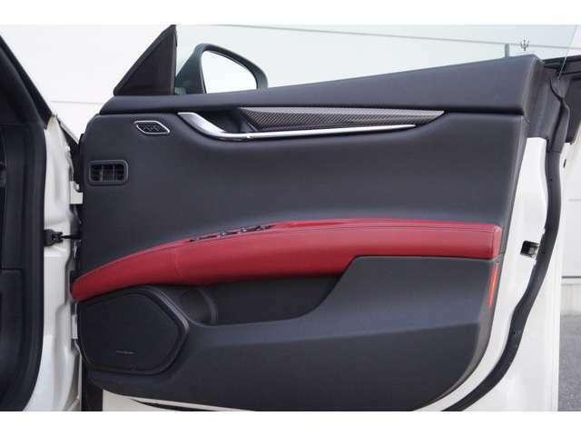 ご納車前には本国のトレーニングを受けたMaseratiサービススタッフが隅々まで点検し、より安全かつ安心の状態でお車をお客様へお渡しさせて頂きます。無料電話0066-9711-843042まで。