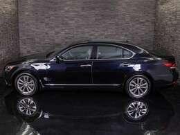 ★ボディーカラーは新車時からの純正色です!色替え車・オールペイント車両ではございません。ブラック!カラーナンバーは214です!