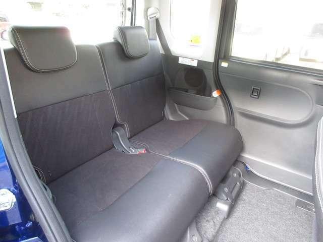 後席も広々としており、ロングドライブでも快適です♪家族や友人とのドライブが楽しくなりますよ!