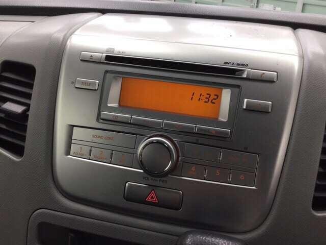 純正CDオーディオが付いています。