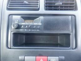 純正スピーカー一体型ラジオです