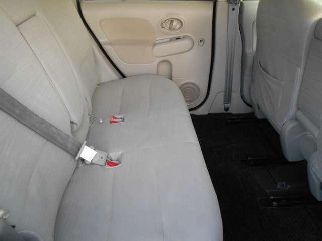 展示してある在庫車は全車内装・外装クリーニング施工済み。外装磨きはもちろん撥水コート仕上げも!!購入後のお手入れも簡単です。