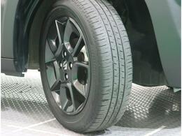 タイヤの溝もまだまだ充分です!