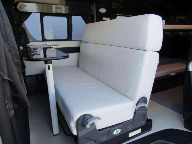 北海道セラミック断熱を標準装備するDiは乗・寝・積のバランスを最大限に考え、長期間の旅行を最適かつ快適にするキャンピングカーです♪