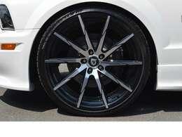 LEXANI 22インチAW (Tire:265/30R22) SALEEN ブレーキシステム & スリットローター レースクラフト サスペンション