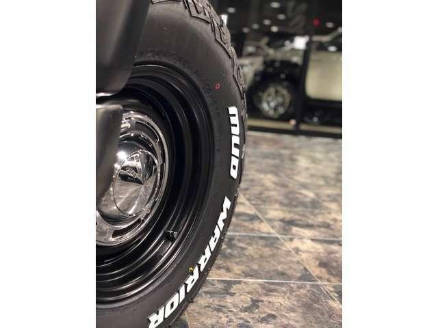 足元は16インチアルミホイール「DEANクロスカントリー」をチョイス!タイヤはMONSTAのマッドウォーリアをチョイスです!