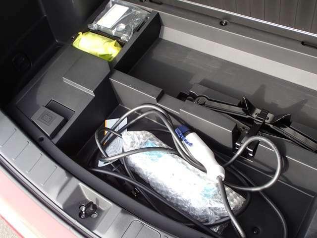 普通充電用200V(5m)ケーブル パンク修理キット車載