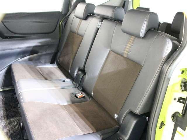 後席も抗菌済みなのでお子様も安心して乗っていただけます。