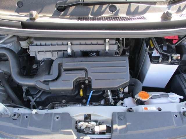 エンジンはタイミングチェーン式なので、走行10万km時のベルト交換は不要です。エンジンの調子も良好です。