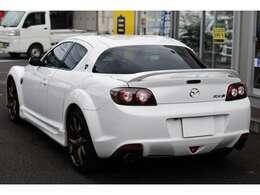 ETC ステアリングリモコン ブラック加飾付きHIDヘッドライト&フォグライト 特別仕様車「SPIRIT R(スピリットアール)」
