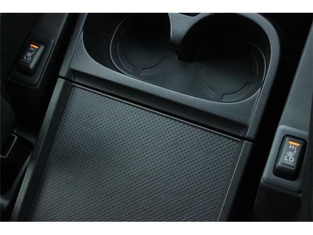 運転席と助手席のシートクッションとシートバックをすばやく温め、寒い朝もすぐに快適に走り出すことができます。