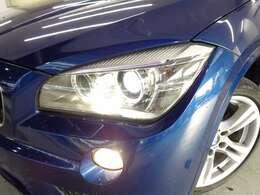 バイキセノンヘッドライト!スモールライトリングにはLEDが採用されています!