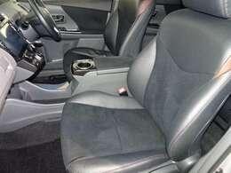 フロントシートです。目立った汚れもなくキレイです!