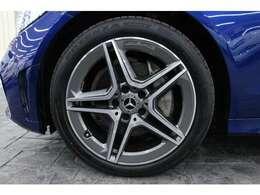 タイヤサイズは、F:225/45R18、R:245/40R18となっております。
