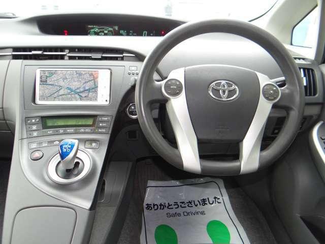 ステアリングは視界も良くトヨタのハンドリングって感じです。長距離ドライブも軽快に運転できます。