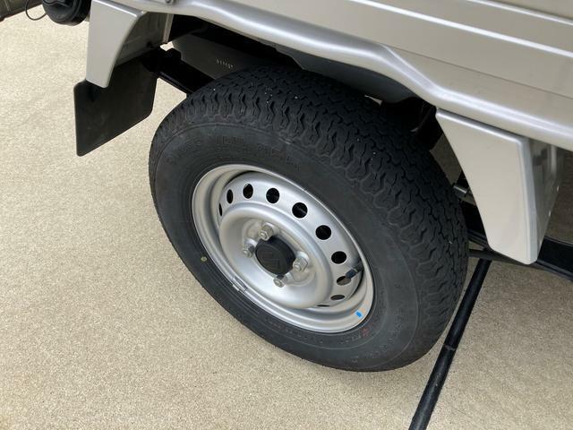 後ろタイヤの溝も残っております。