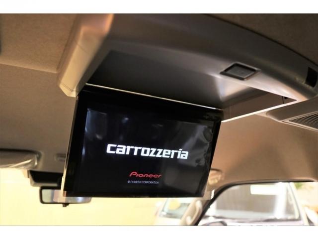 カロッツェリアフリップダウンモニターで後席の方も退屈せずにドライブできます♪