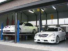 安心の認証工場完備!車の購入後も車検、整備、アフターパーツ、コーティング、フィルム、板金に関しても全て当店にお任せ下さい