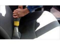 当店は専門の器具を使い、車の清掃に力を入れています!!