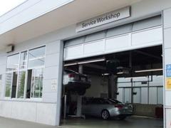 ◆納車前の部品交換点検◆併設している工場にてアウディ専任メカニックが、100項目にもおよぶ精密な点検を実施いたします。