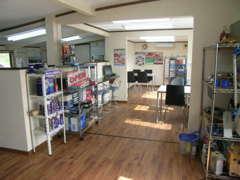 当社の店内です。DAGオリジナル商品も多数ございます。