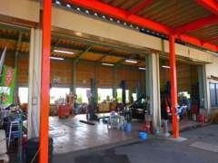 当社工場も完備。購入後のアフター、修理、点検、車検等もお任せ下さい!