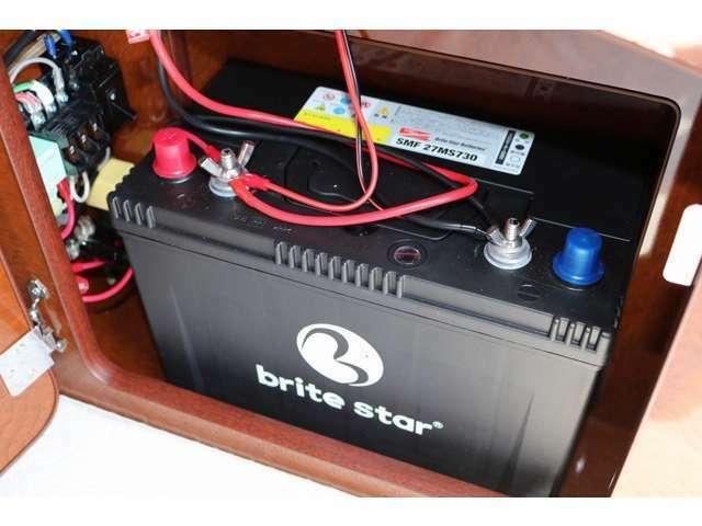 ディープサイクルバッテリーも新品を装備☆