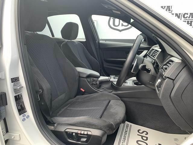 Mスポーツ専用シートです!フロントシートはへたりも少なく、前オーナー様が大切に使われていたのが分かります!
