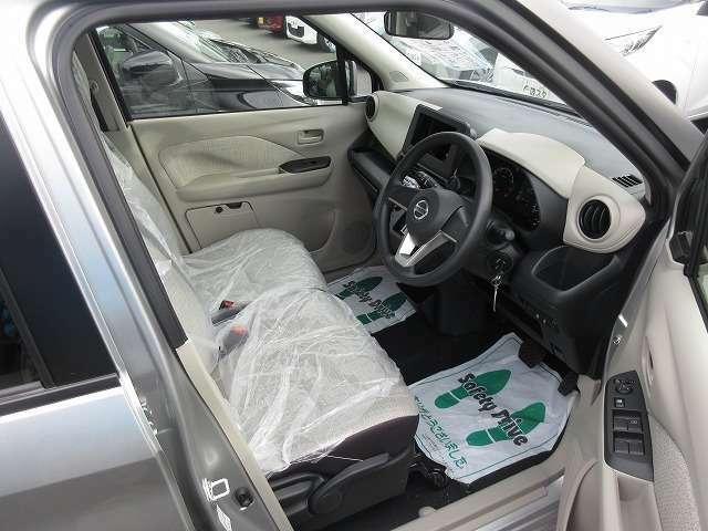 ★ワゴン車特有の広い室内空間なので、大人4人乗ってもゆったり★