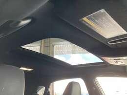 ◆サンルーフ【開放感溢れるムーンルーフが装備されております!!車内には爽やかな風や太陽の穏やかな光が差し込みます。】