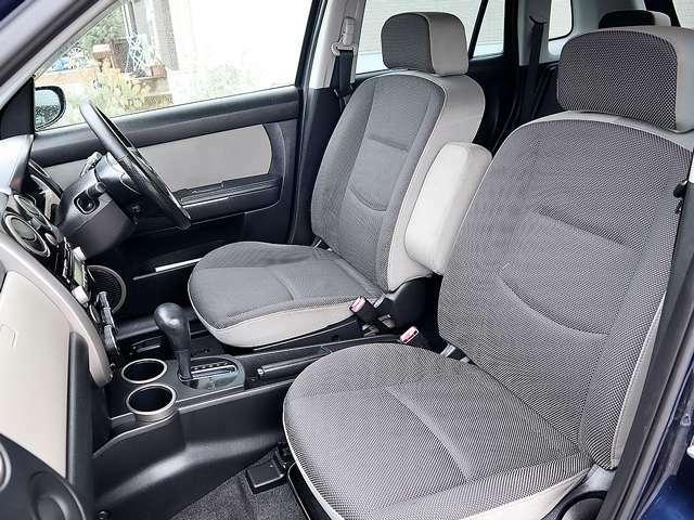 【快適な室内空間】天井・室内等とてもキレイな車両となっております。もちろん気になる匂いや汚れ等もない室内空間ですので、タバコ嫌いや匂いに敏感なお客様でも安心してご検討頂けます。