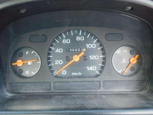 5速ミッション・4WD・エアコン・純正ラジオ!スバル サンバートラック 入庫致しました♪車検受渡しにてご納車致します★