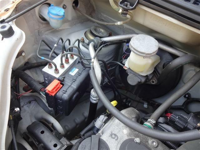 安心装備のおまけ。ABSです。急ブレーキでもタイヤがロックしないように調整してくれる安全装置です。