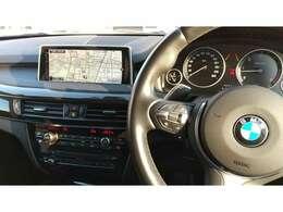 ACCやヘッドアップディスプレイ付き車両でロングドライブも快適です。