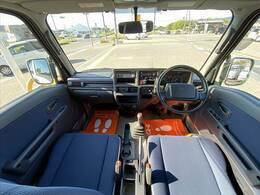 今回紹介させていただく車両は、H24サンバーバンです。グレードはディアススーパーチャージャーです。
