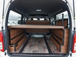 専用ベッドキットはベッドマットを上下2段どちらでも設置可能です