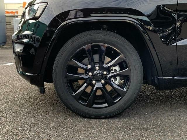 高級感だけでなく、装備も充実本格的な4WD
