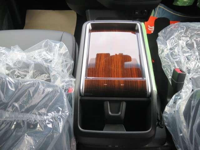 運転席8ウェイパワーシート(快適温熱シート)&助手席 4 ウェイパワーシート(快適温熱シート)搭載!