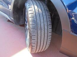 走行距離が少なめなので、タイヤの溝もしっかり残ってます!これはお買い得です♪